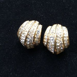 Vintage Pave Rhinestone Clam Shell Clip-on Earring